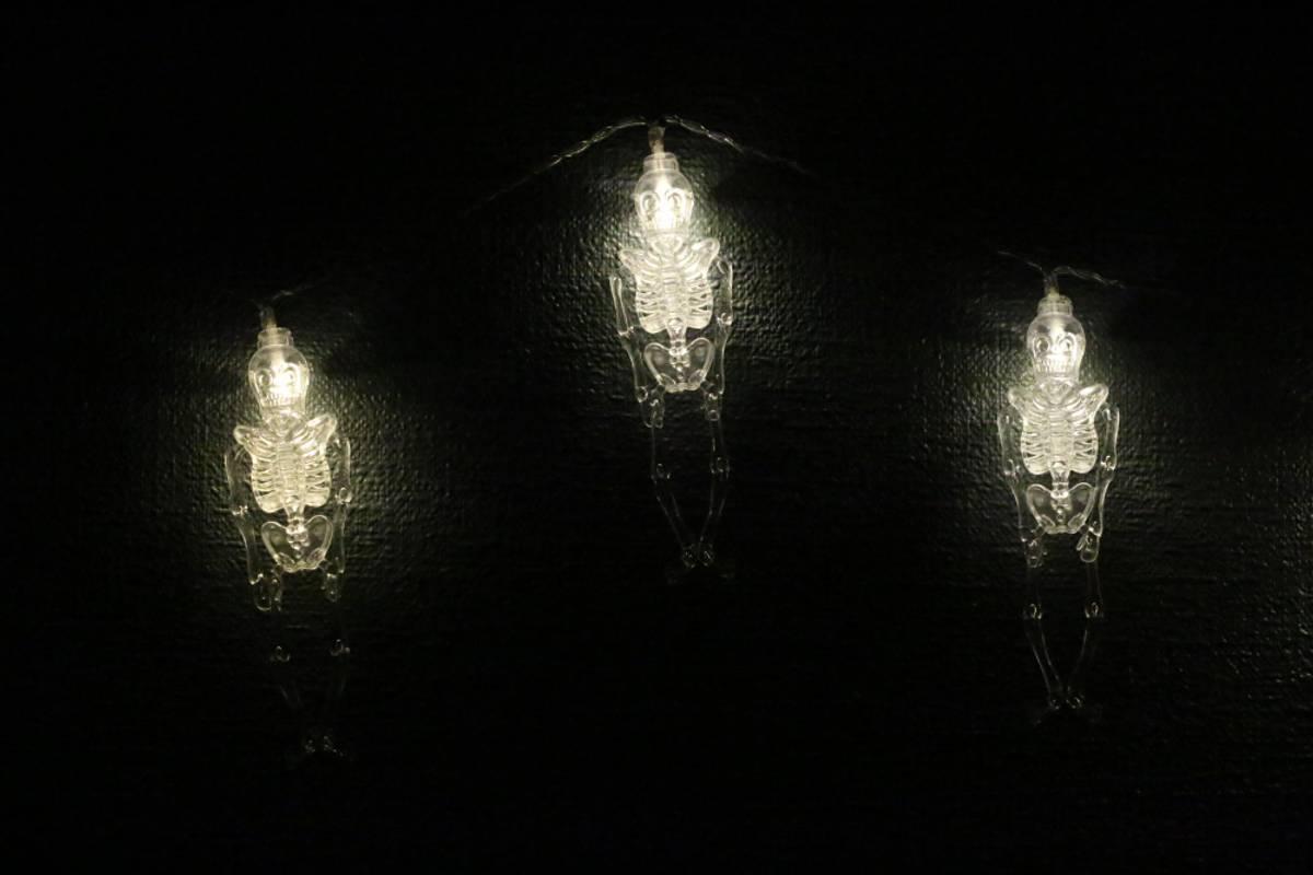 Lyslenke skjelett - 3 meter 20 pærer. Halloween